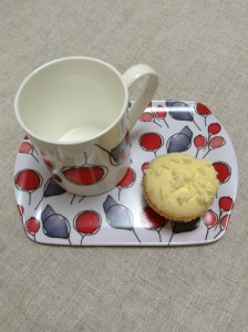 Sara Page Mug and biscuit tray in Hedgerow design
