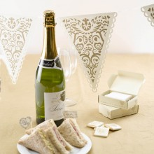 Vintage Romantic Bunting in Cream and Gold